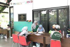 1.050 Paket Bahan Pokok Murah Habis Terjual di RPTRA Permata