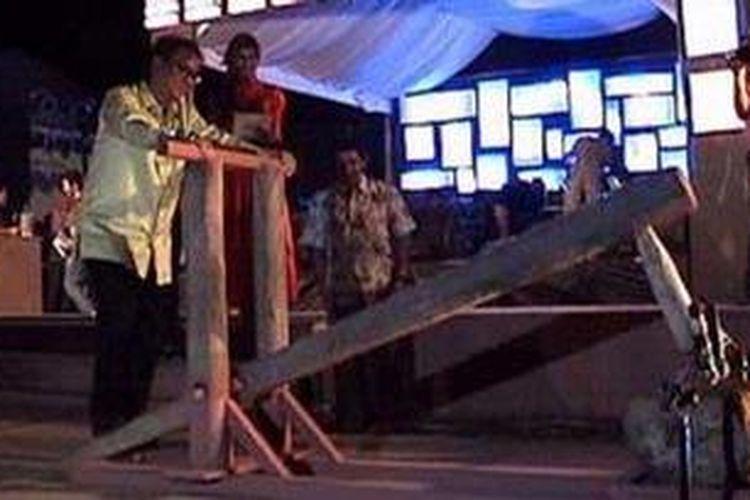Walikota Banda Aceh, Mawardy Nurdin (alm) saat membuka festival Aceh Food and Coffee Festival (AFCF, Coffeefest) 2012.