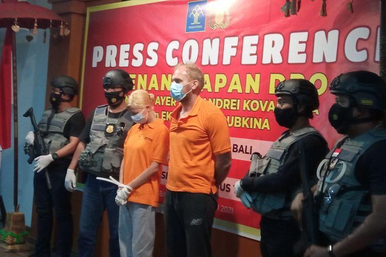 Polda Bali bersama Kantor Imigrasi Ngurah Rai menangkap dua orang DPO orang Rusia, Andrew Ayer alias Andrei Kovalenko dan pasangannya Ekaterina Trubkina.