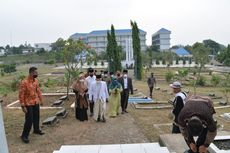 Didampingi Putrinya, Wapres Ma'ruf Ziarah ke Makam Pendiri Kota Tangerang