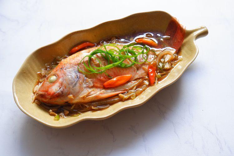 Ilustrasi ikan nila kukus.