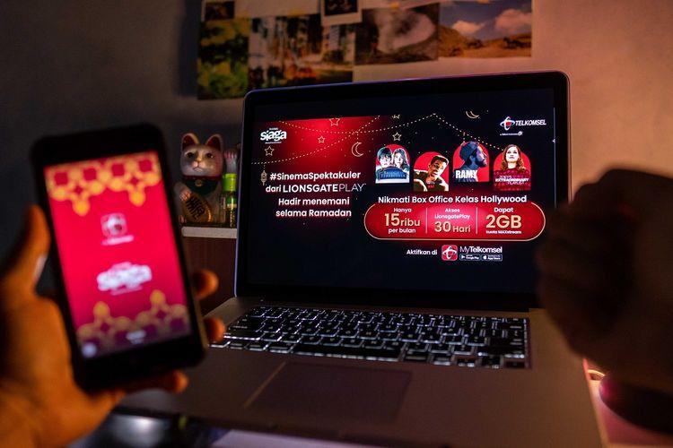 Ilustrasi kolaborasi Telkomsel dengan platform video-on-demand Lionsgate Play