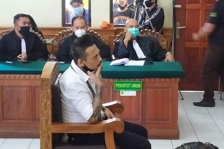 Jerinx menjalani sidang vonis di PN Denpasar, Kamis  (19/11/2020).