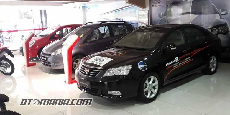 Diler Motorave di Hasyim Ashari, Jakarta Pusat, masih menawarkan mobil Geely dan Chery.