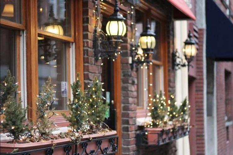 Praktikkan 4 Tips Ini Untuk Keamanan Rumah Selama Natal