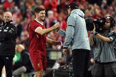Klopp Persembahkan Gelar Liga Inggris untuk Kenny Dalglish dan Steven Gerrard
