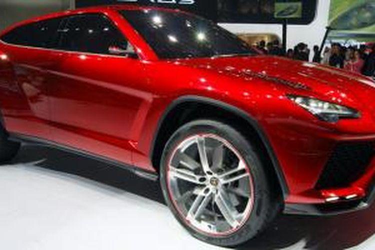 Lamborghini Urus saat diperkenalkan di Beijing Auto Show 2012