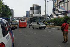 Massa Aksi di Bawaslu Membeludak, Jalan MH Thamrin Arah Monas Ditutup