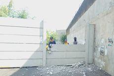 Tembok Setinggi 3 Meter yang Menutupi Akses Jalan SD di Tasikmalaya Akhirnya Dibongkar
