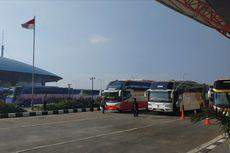 Meski Sering Diimbau Jangan Mudik, Ratusan Orang Masih Nekat Pulang Kampung Melalui Terminal Pulogebang