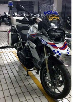 BMW R1200GS versi kepolisian.