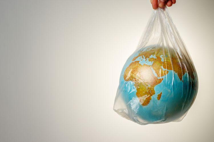 ilustrasi dunia penuh sampah plastik