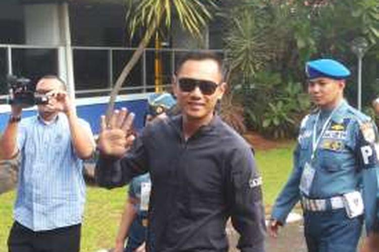 bakal calon gubernur Agus Harimurti Yudhoyono saat tiba di lokasi tes psikologi, di RSAL Mintohardjo, Bendungan Hilir, Jakarta Pusat, Minggu (25/9/2016).