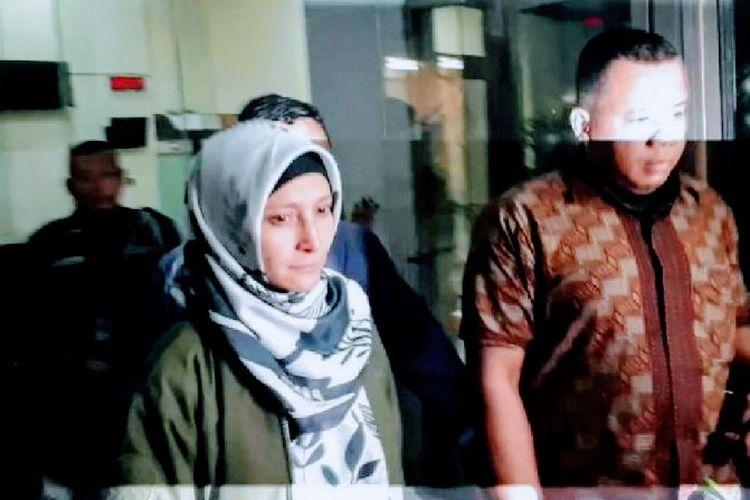 Inneke Koesherawati usai diperiksa KPK, Sabtu (21/7/2018).