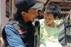 Cerita Ardian, Relawan yang Potong Rambut Sukiyah Jadi Sarang Tikus: Saya Merinding Sampai Keringatan