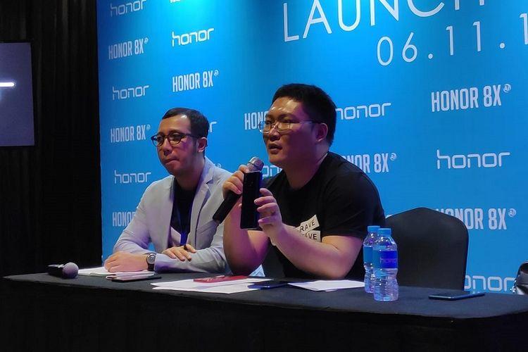 James Yang (kanan), President of Honor Indonesia
