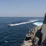 Tensi Memanas, 11 Kapal Iran Kepung 6 Kapal AS