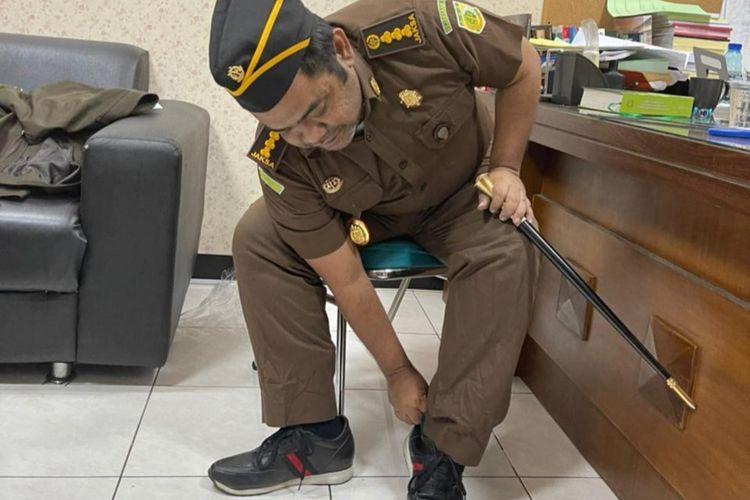 Abdussomad mengaku sebagai Kajari ditangkap tim intelijen Kejari Surabaya.