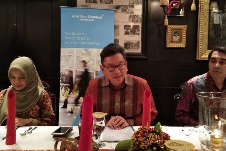 Bincang-bincang kondisi ekonomi Indonesia di tengah gejolak ekonomi global bersama Aberdeen Standard Invesment Indonesia di Jakarta, Kamis (16/5/2019)
