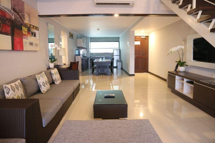 Salah satu ruangan apartmen style 3 bedroom suites with loft di Prime Plaza Suite, Sanur, Bali.