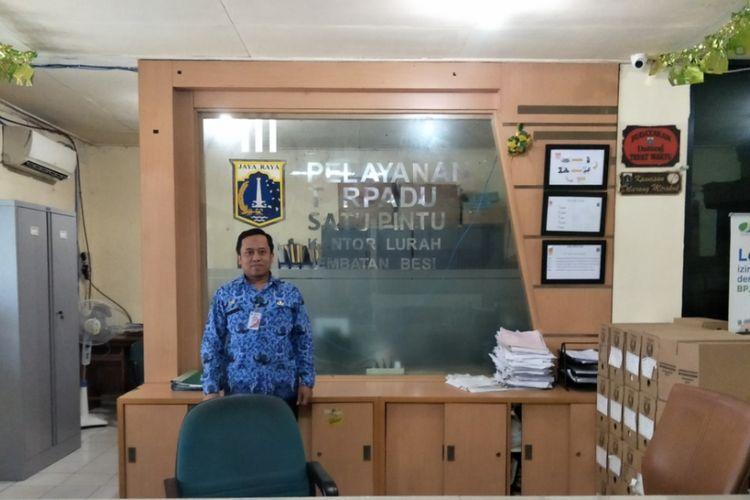 Ruang pelayanan terpadu satu pintu (PTSP)  kantor Kelurahan Jembatan Besi yang terletak di Kecamatan Tambora, Jumat (10/11/2017).