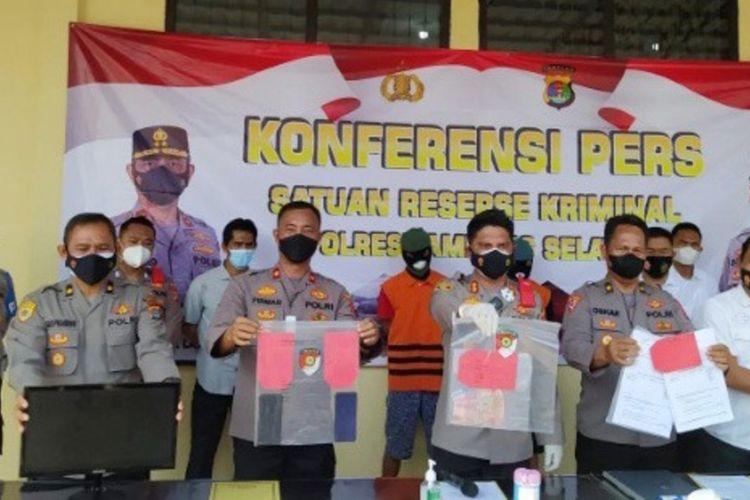 Dua pelaku pemalsu surat rapid test antigen seharga Rp 200.000 yang ditangkap di Pelabuhan Bakauheni, Lampung Selatan, yakni sopir travel ilegal dan pegawai honorer Pelabuhan Bakauheni.