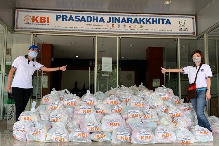 Garudafood bersama  Keluarga Buddhayana Indonesia (KBI) aktif memberikan bantuan kepada masyarakat yang terdampak wabah Covid-19.