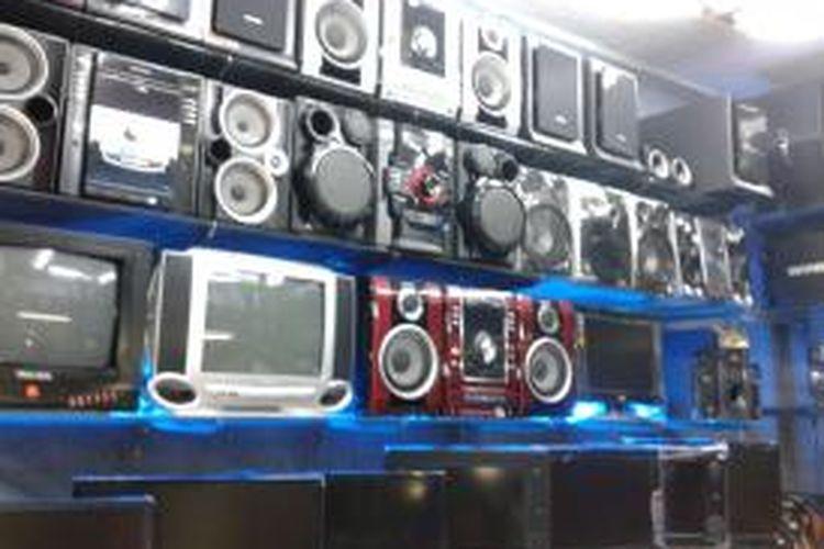 Sebuah toko elektronik di Kawasan Glodok, Jakarta Barat, Rabu (28/8/2013).