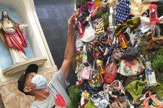 Melihat Pohon Natal Protokol Kesehatan di Surabaya, Dihiasi Masker hingga Hand Sanitizer
