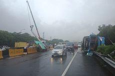 Busnya Terbalik di Tol Arah Bandara Soetta, Perum Damri Minta Maaf