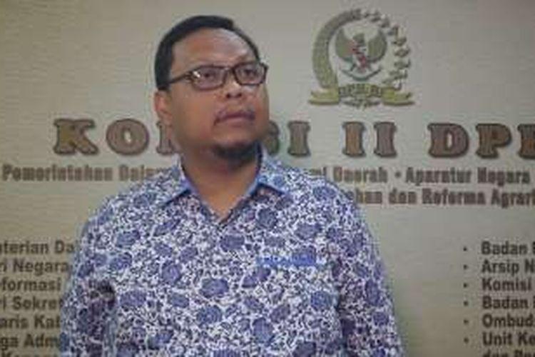 Wakil Ketua Komisi II DPR, Lukman Edy di Kompleks Parlemen, Senayan, Jakarta, Selasa (12/7/2016)
