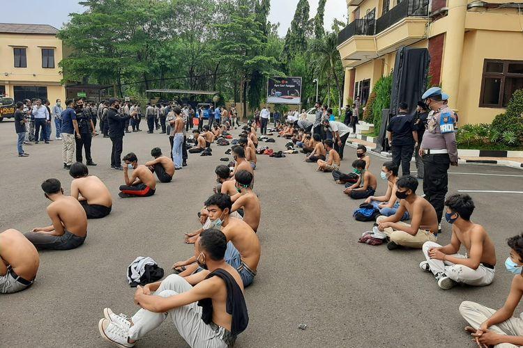 Puluhan pelajar diamankan Polda Banten saat akan ikut demo