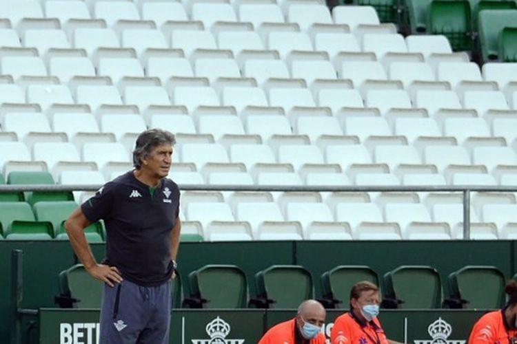 Pelatih Real Betis, Manuel Pellegrini.