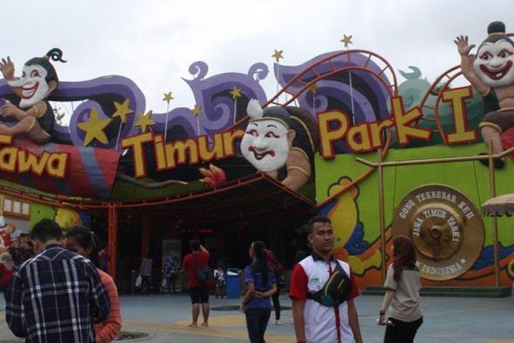 Suasana pintu masuk Jawa Timur Park 1 yang berlokasi di Jalan Kartika Nomor 2, Kota Wisata Batu, Malang, Jawa Timur.