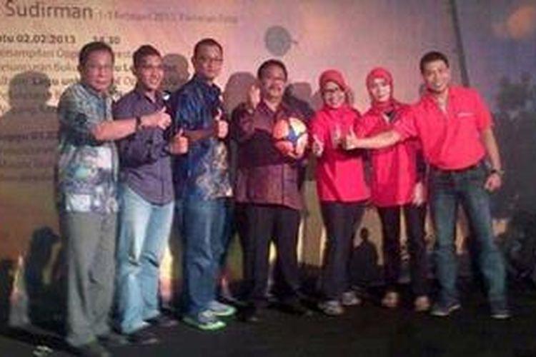 Peluncuran Liga Pertamina U-16 di kawasan Senaya, Jakarta, Minggu (3/2/2013).