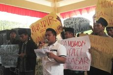 Gagas Hak Interpelasi terhadap Bupati, Wakil Bupati Didemo