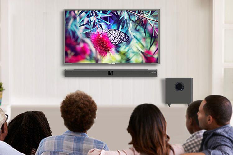 Kegiatan menonton TV bersama keluarga