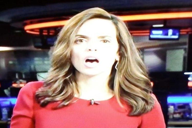 Eskpresi wajah penyiar berita KRISTV, Texas saat mendengar suara film porno di tengah-tengah siaran berita yang dipandunya.
