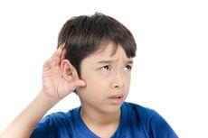 Begini Tips Berkomunikasi dengan Anak Disabilitas Pendengaran