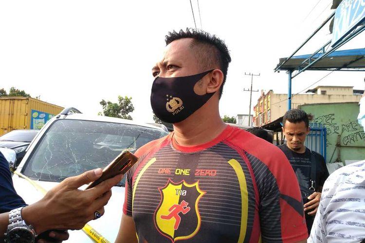 Kasatreskrim Polres Kota Binjai, AKP Yayang Rizky Pratama menjelaskan kepada wartawan bahwa korban yang meninggal dunia dalam ledakan tabung gas di bengkel las di KM 29 di Jalan T. Amir Hamzah, Kecamatan Hamparan Perak, Deli Serdang pada Kamis (27/8/2020) sebanyak 3 orang, 1 kritis dan 9 luka berat. Sebelumnya dikabarkan ada 4 orang yang tewas.