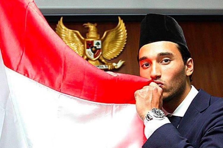 Penyerang Ezra Walian resmi menjadi warga negara Indonesia.