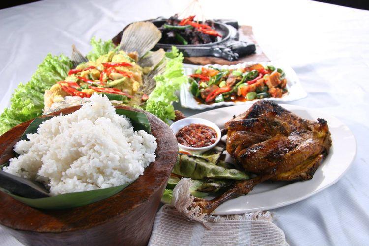 Menu masakan di Dulang Restaurant, Cisarua, Bogor.