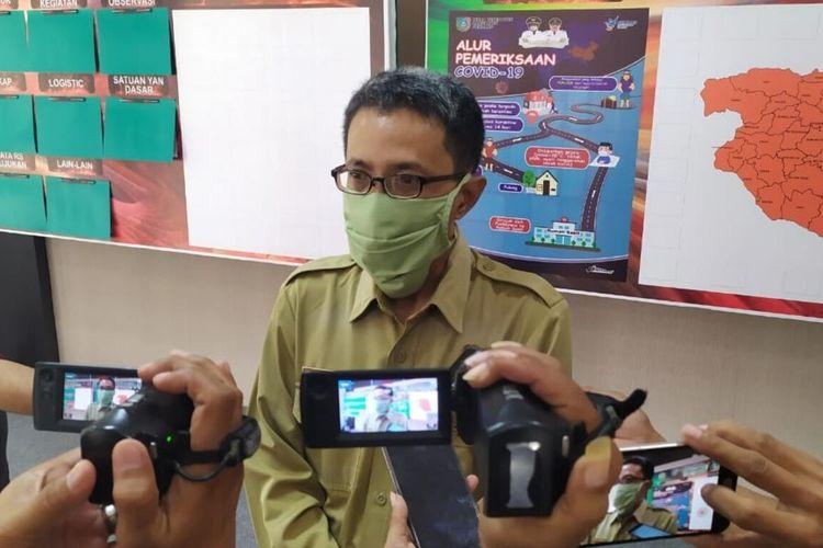 Direktur RSUD Ploso, dokter Ahmad Iskandar, saat memberikan keterangan pers di Media Center Kantor Pemkab Jombang, Jawa Timur, Senin (20/4/2020).
