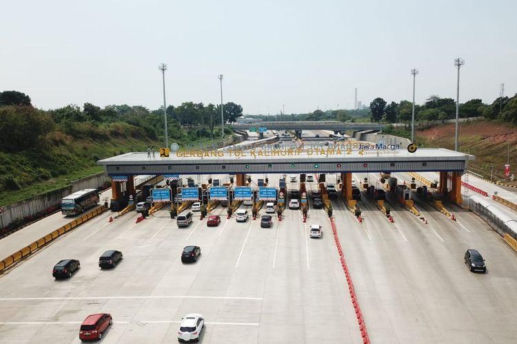 Gerbang Tol (GT) Kalihurip Utama Jalan Tol Cipularang.