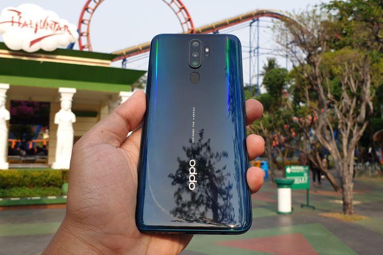 Oppo A9 2020 memiliki empat kamera yang melekat di bagian punggungnya yang disusun secara vertikal. Bodinya mengkilap bak ponsel mewah.