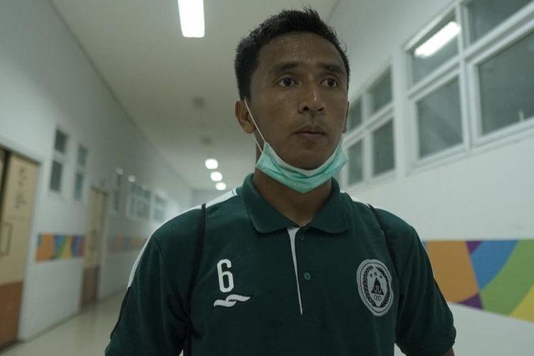 Gelandang PS Sleman Wahyu Sukarta saat pemusatan latihan (TC) di Stadion Wibawa Mukti, Cikarang, Kabupaten Bekasi, Jawa Barat, pada Sabtu (12/6/2021).