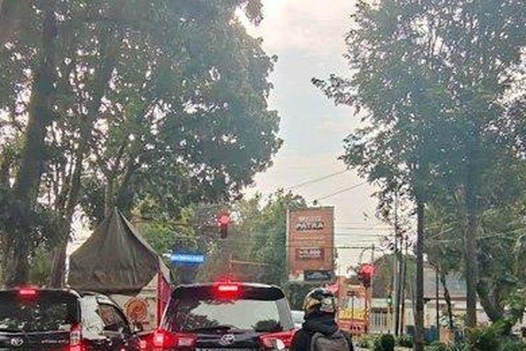 Kondisi lalu lintas di ruas jalan Kabupaten Bondowoso. Polres Bondowoso menilai belum saatnya menerapkan tilang elektronik.