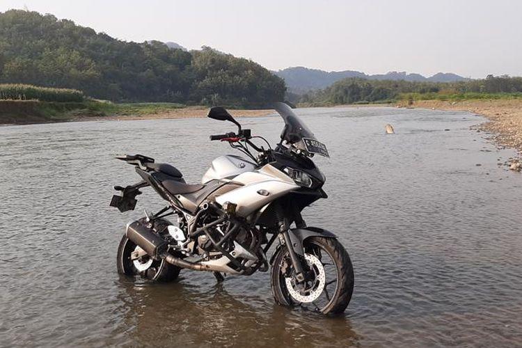 Modifikasi Yamaha R25 menjadi motor touring