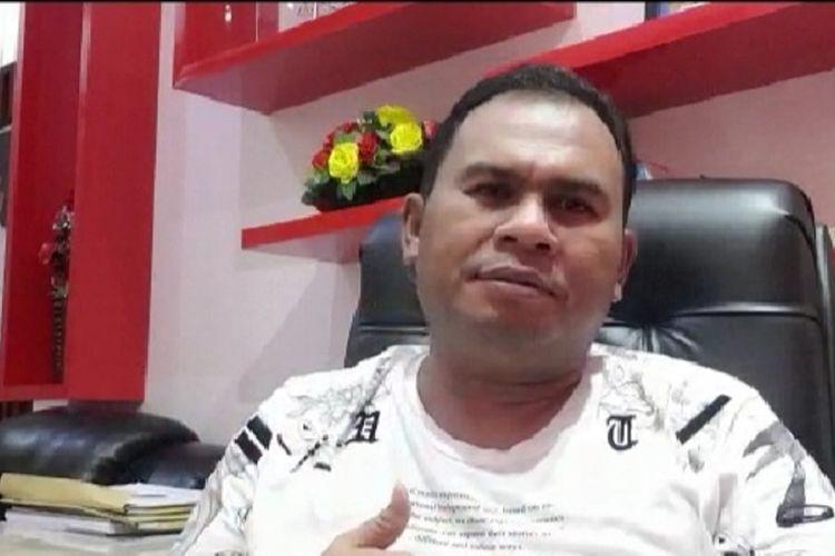 Tangkapan layar video yang direkam Wakil Bupati Kotawaringin Barat, Kalimantan Tengah, Ahmadi Riansyah, saat mengumumkan dirinya terpapar Covid-19, Rabu (22/7/2020) malam.