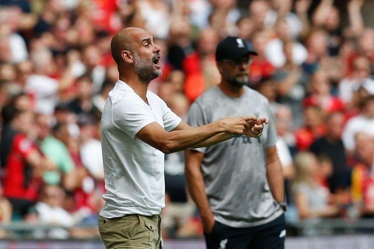 Pelatih Manchester City, Pep Guardiola, memberi instruksi kepada para pemainnya pada pertandingan Liverpool vs Man City dalam Community Shield 2019 di Stadion Wembley, 4 Agustus 2019.